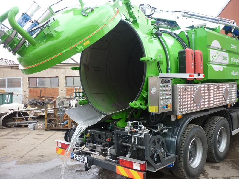 Kombinovaná saco-kanalizační nástavba FABOK CASK 12/3 v úpravě ADR